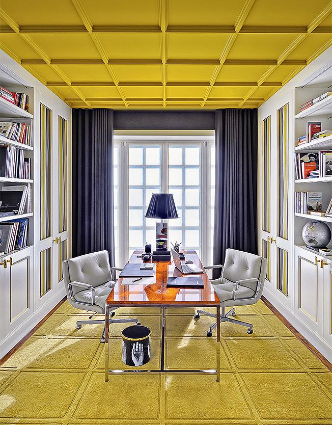 цветные потолки фото