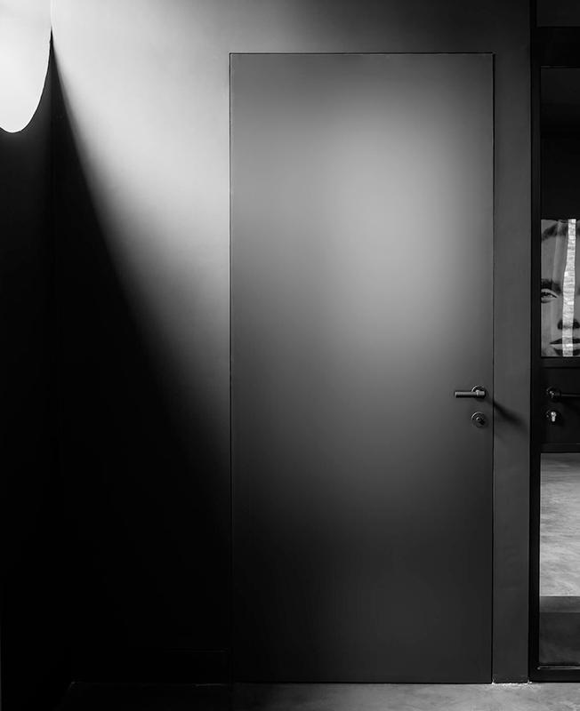 Черно-белый интерьер фото