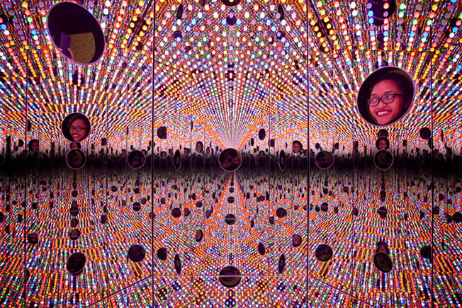 Яёи Кусама инсталляции фото
