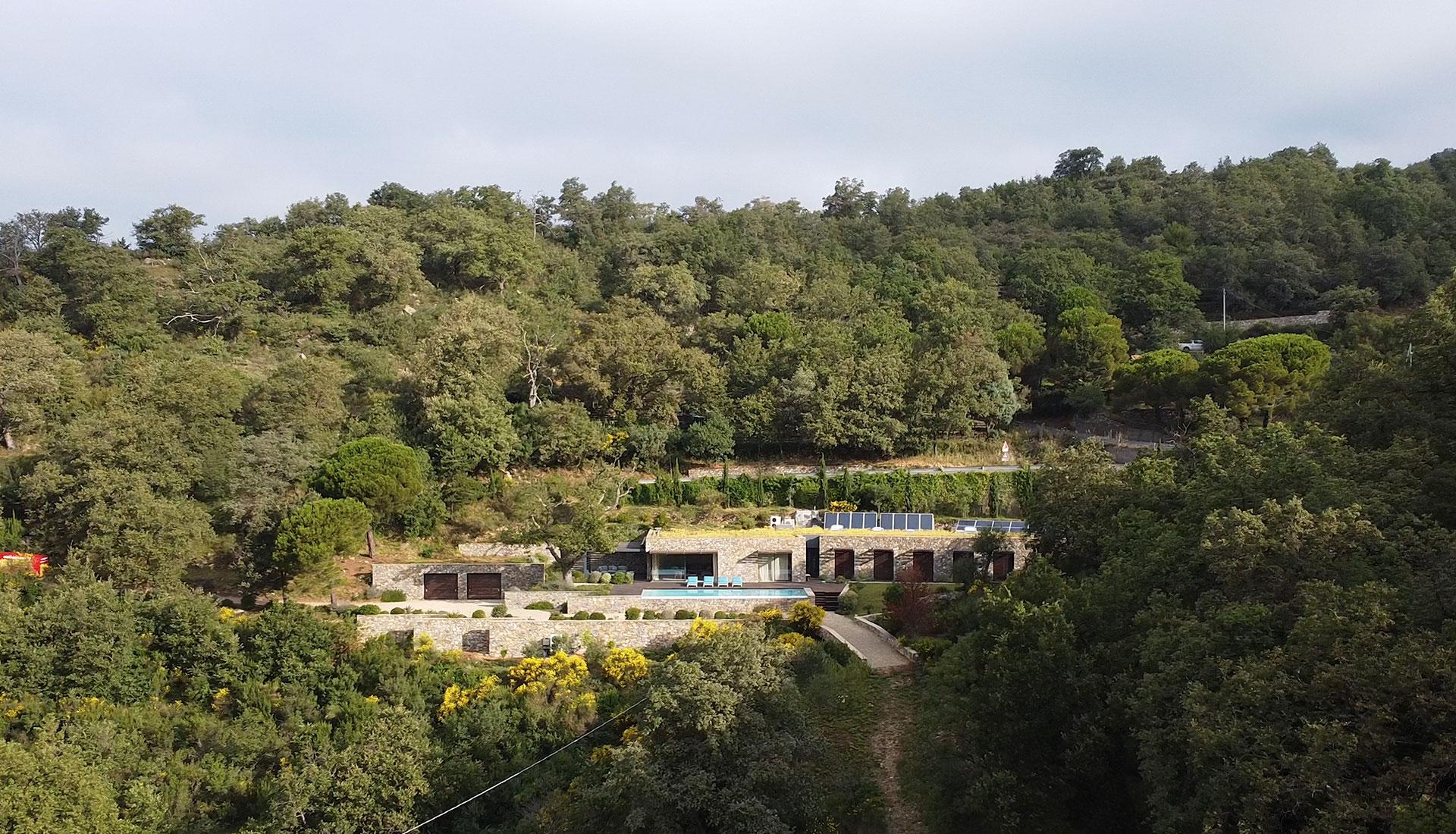 Giordano Hadamik Architects: энергоэффективная вилла в Лигурии