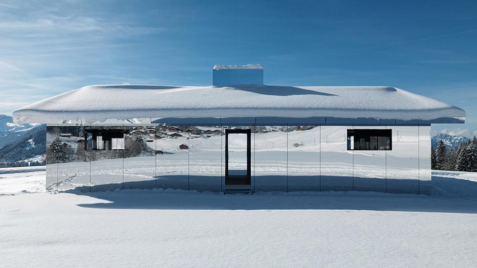 Даг Эйткен: дом-мираж в Альпах