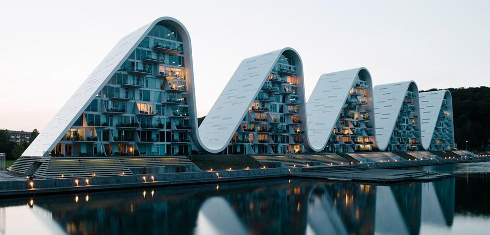 Henning Larsen Аrchitects: волна в Вайле