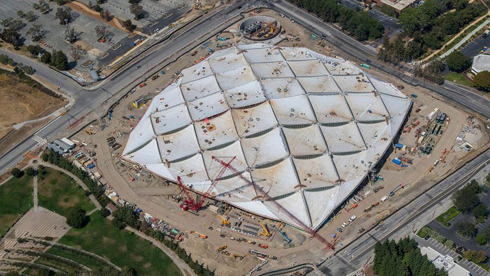 Кампус Google: новые кадры грандиозного проекта