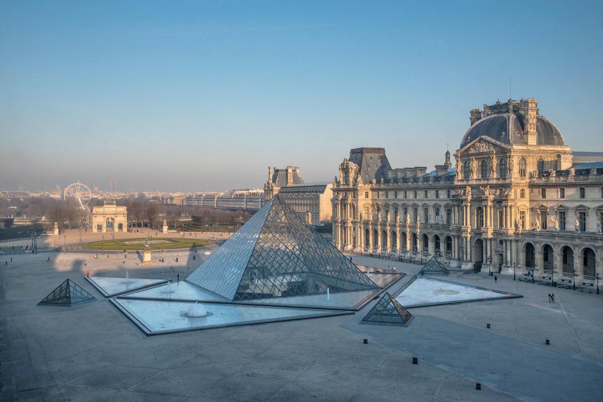 Лувр закрыт из-за эпидемии коронавируса