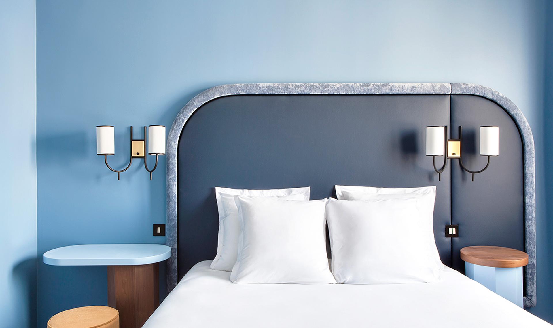 40 спален в голубых тонах: сочетание цветов в интерьере