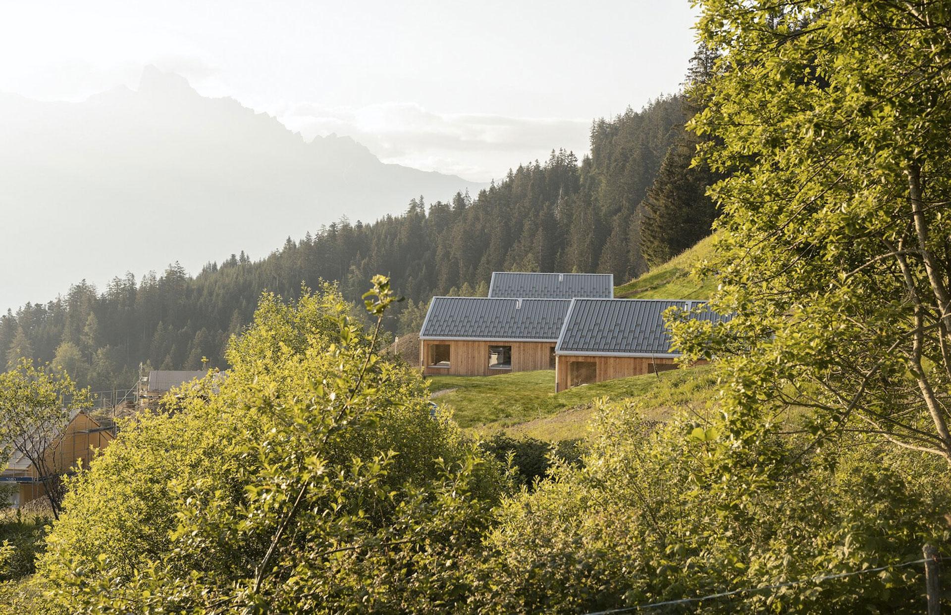 Montalba Architects: экологический отель в Альпах