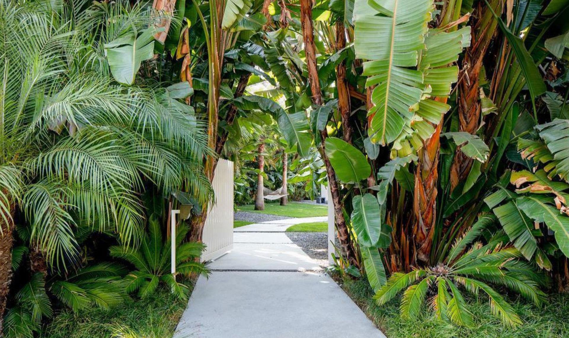 Дом Эди Слимана в Беверли Хиллз выставлен на продажу