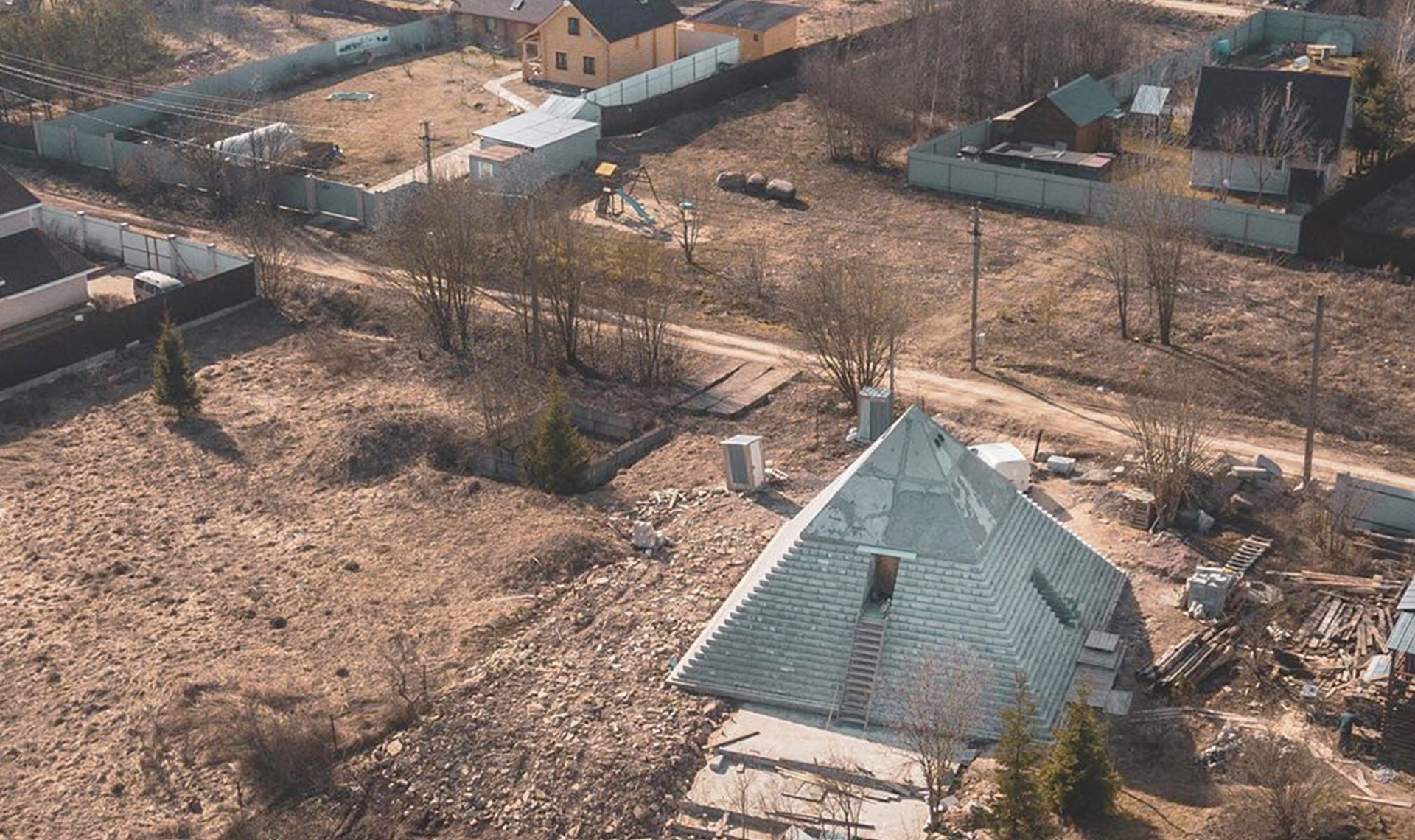 Копию пирамиды Хеопса строят в деревне под Петербургом