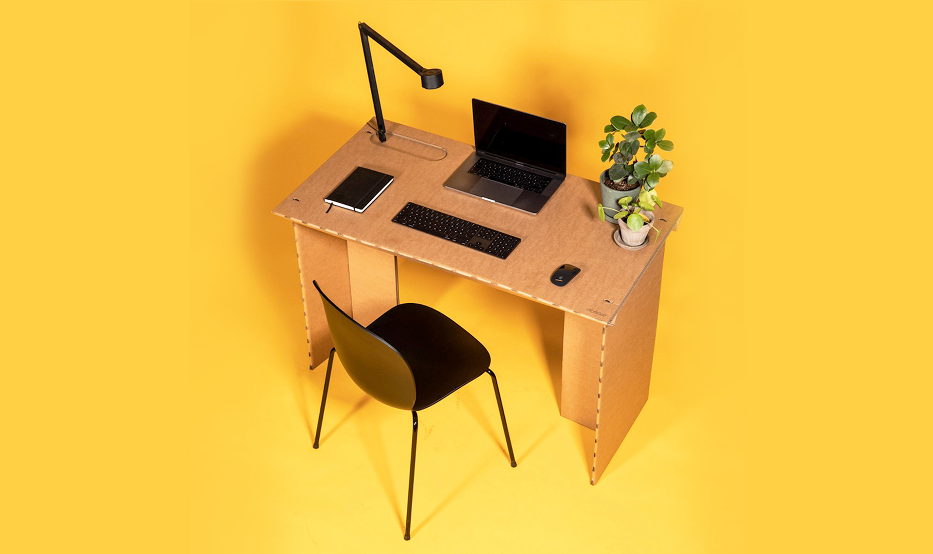 Stykka: датский стол из картона