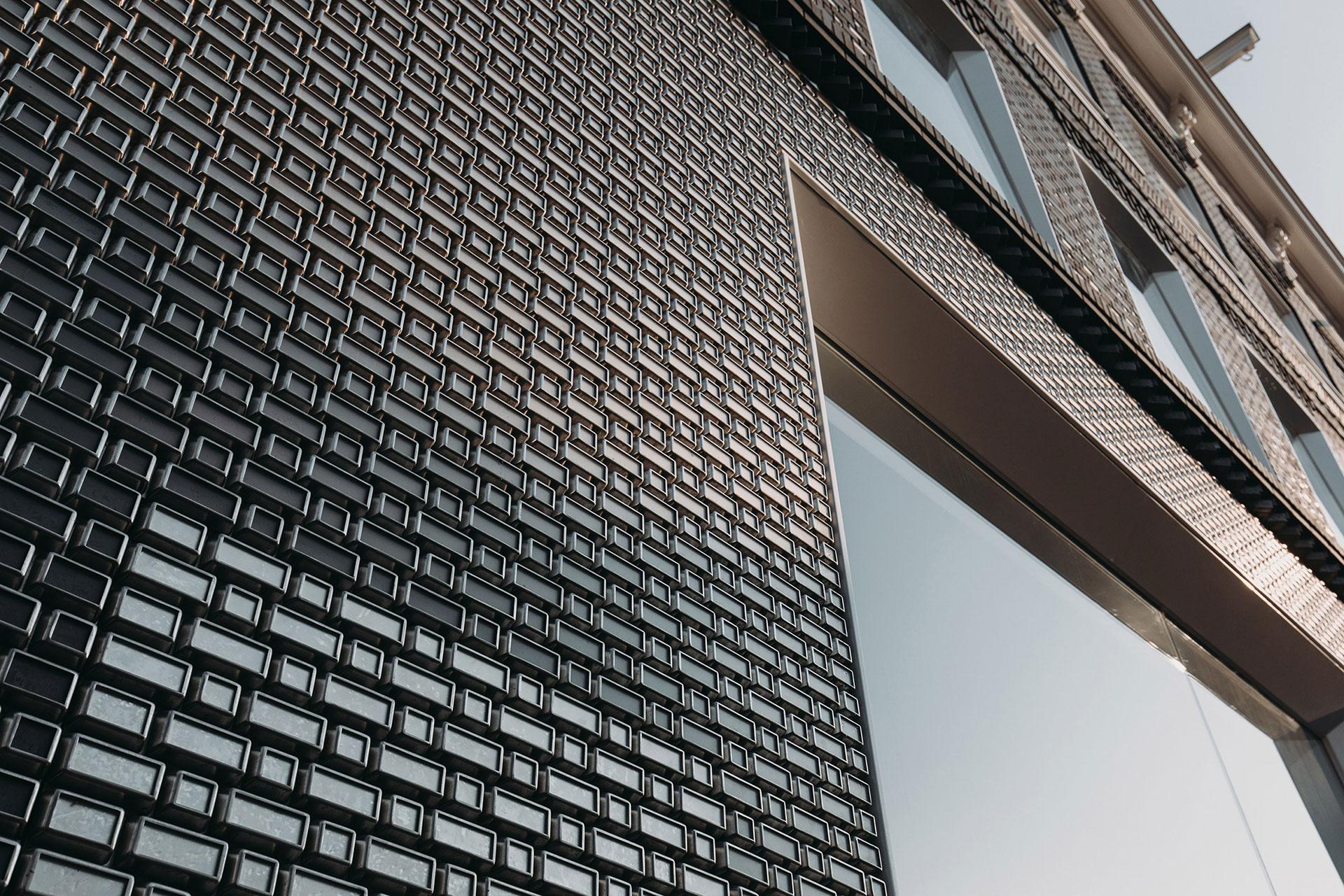 Пиксельный фасад бутика Louis Vuitton по проекту UNStudio