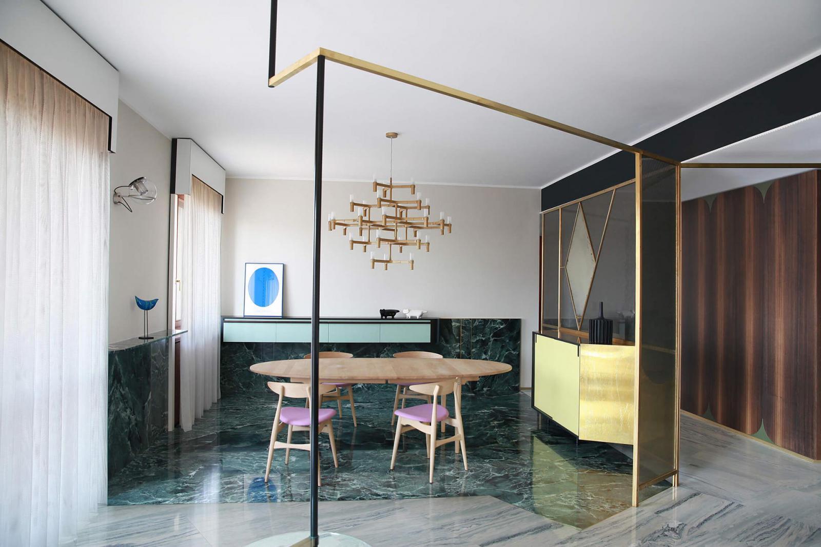 Мрамор и латунь в миланских апартаментах по проекту Marcante-Testa