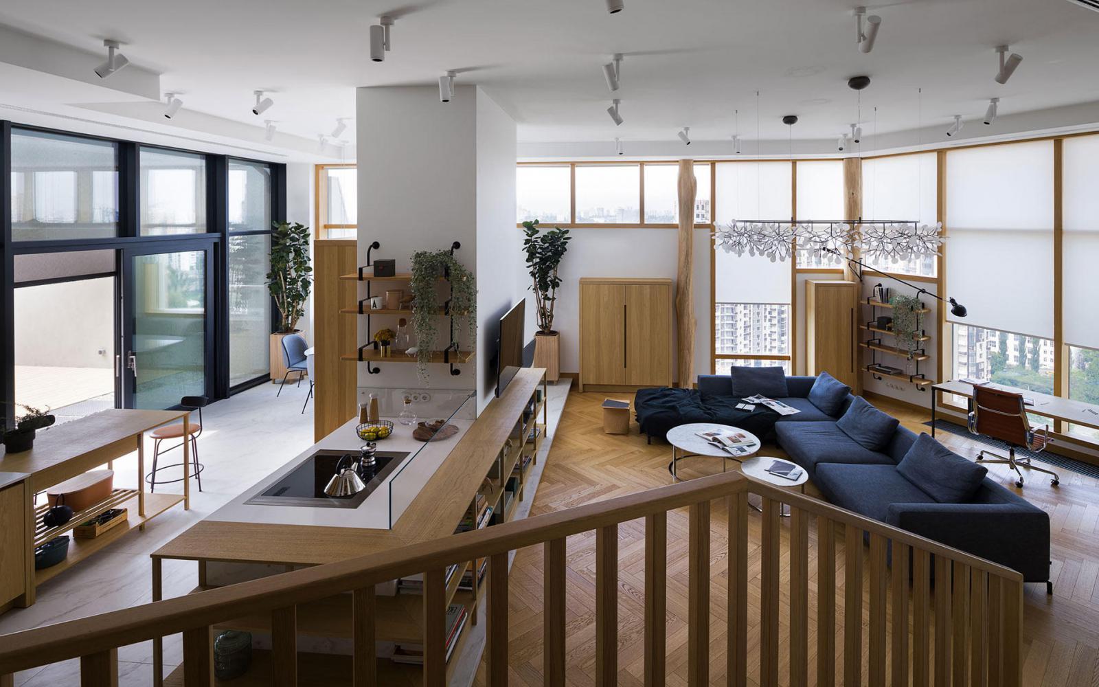 Квартира с террасой и деревьями по проекту Алены Юдиной
