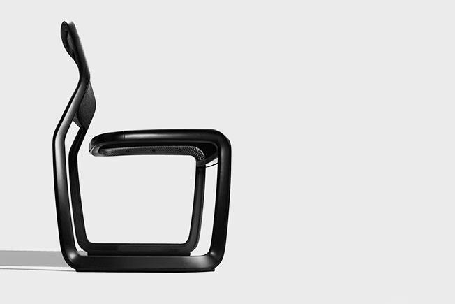 Марк Ньюсон сделал «вечный» стул