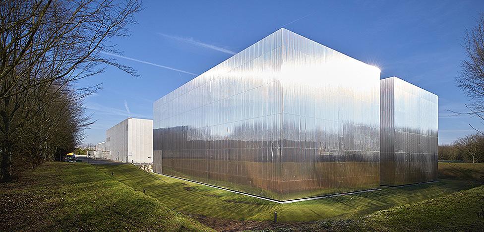Antonini + Darmon: архивный комплекс в пригороде Парижа