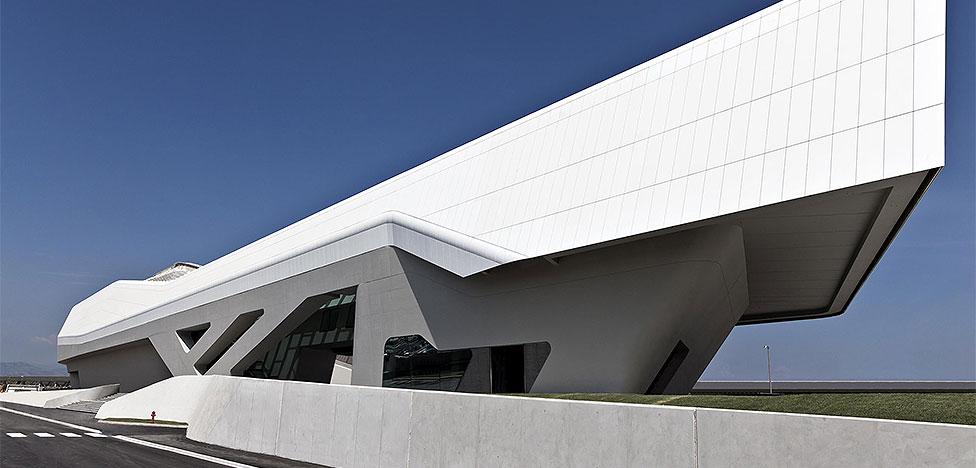 Zaha Hadid Architects: вокзал в Неаполе