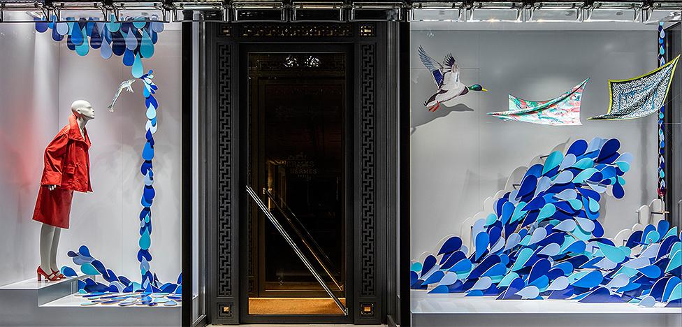 Hermès Ginza в Токио: фигурные капли в витринах