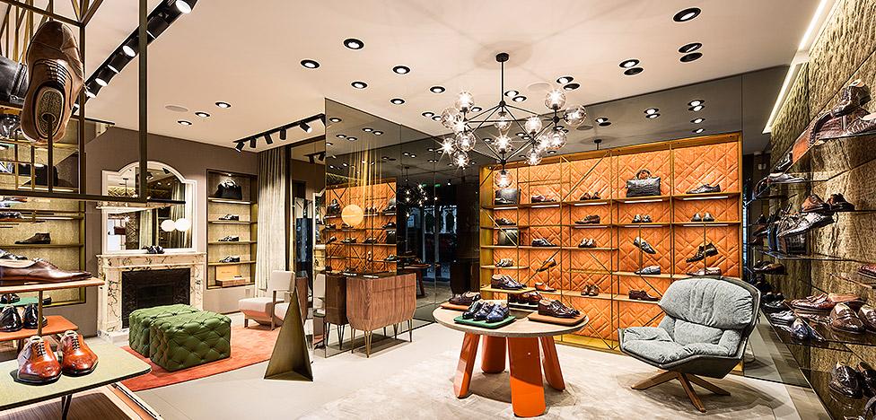 Патрисия Уркиола: новый бутик Santoni в Париже