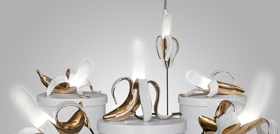 Выставка Art Light: светящиеся торты, бананы и скафандры