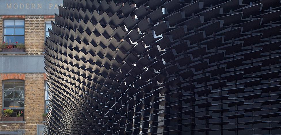 Clerkenwell Design Week: павильон-молния Джайлза Миллера (Giles Miller)