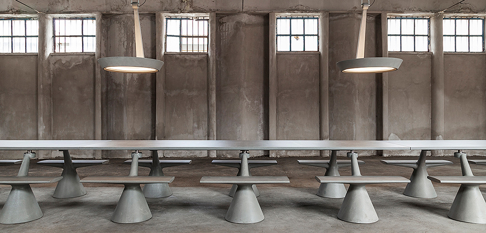 Константин Грчич: столы из бетона и архитектура Нерви