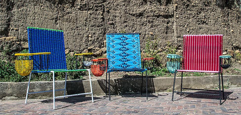 Marni: плетеная мебель и разноцветный песок