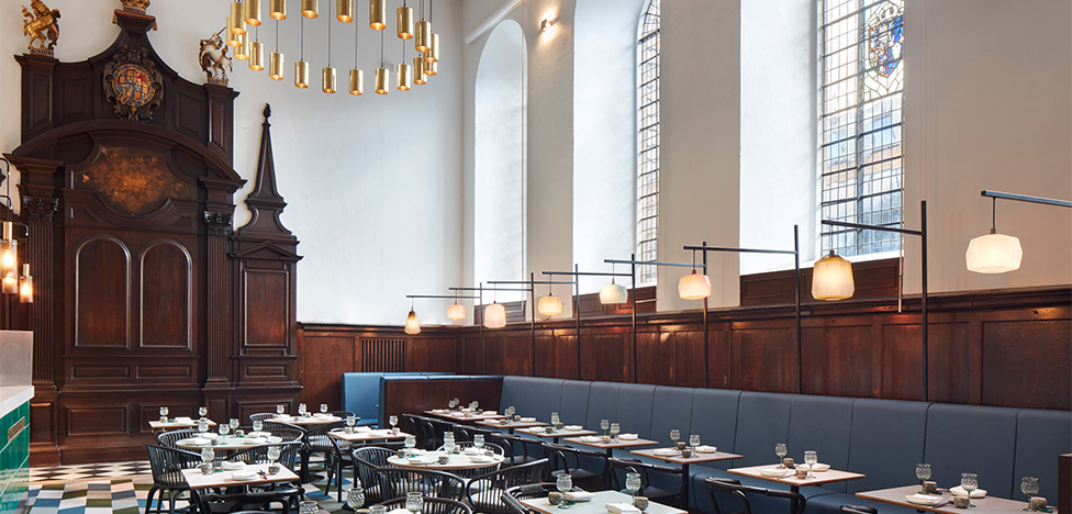 Ресторан в лондонской церкви
