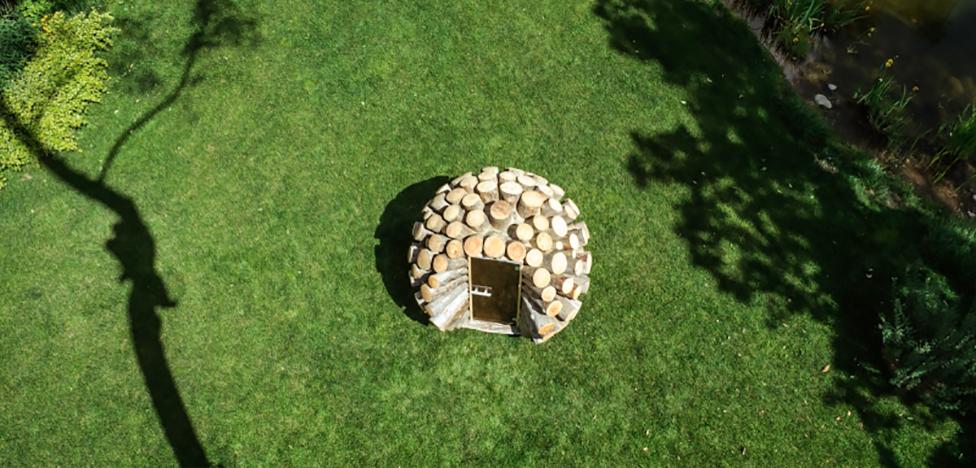 Туалет из карельской сосны