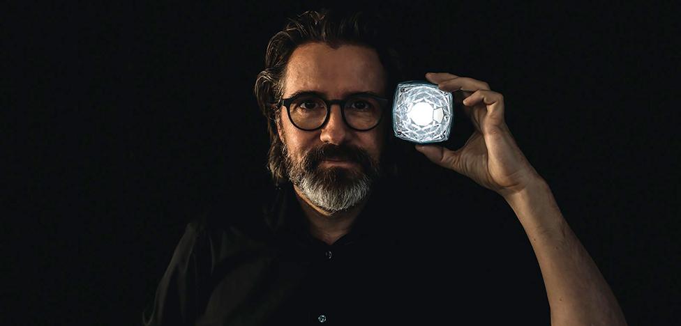 Солнце в кармане: портативный светильник Олафура Элиассона