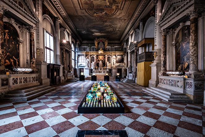 WonderGlass: свет и космос в венецианской церкви