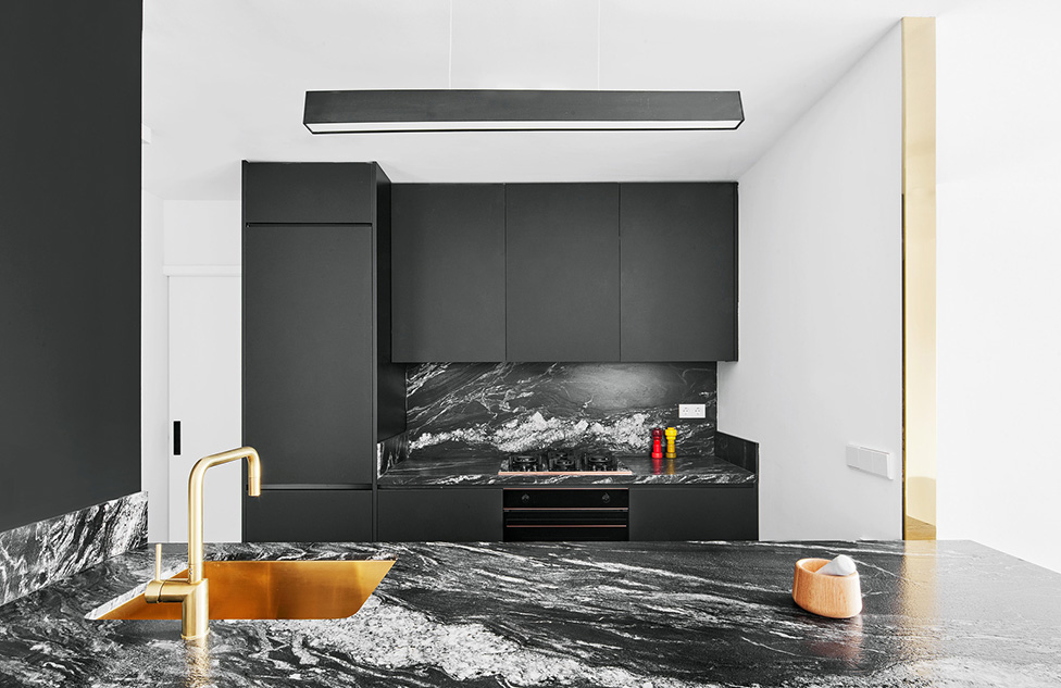 Raul Sanchez Architects: черно-белая квартира в Барселоне