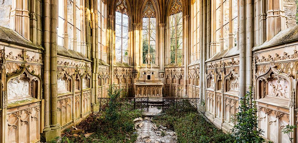 Джеймс Кервин: заброшенные храмы