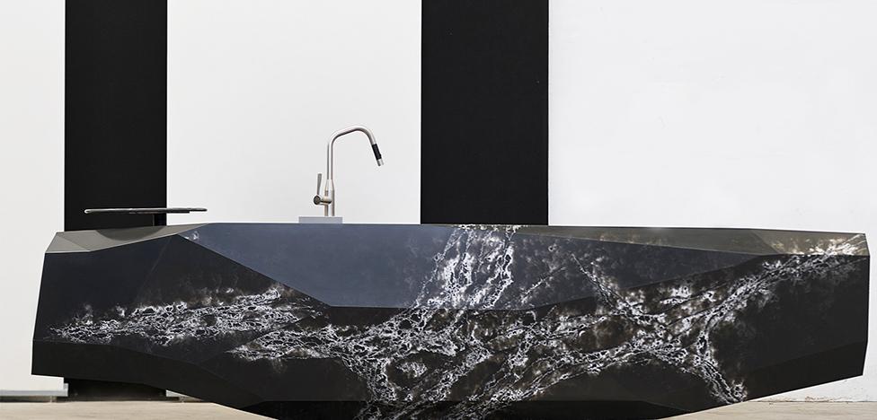 Звезды дизайна проектируют кухни: «каменная гравитация» Арика Леви