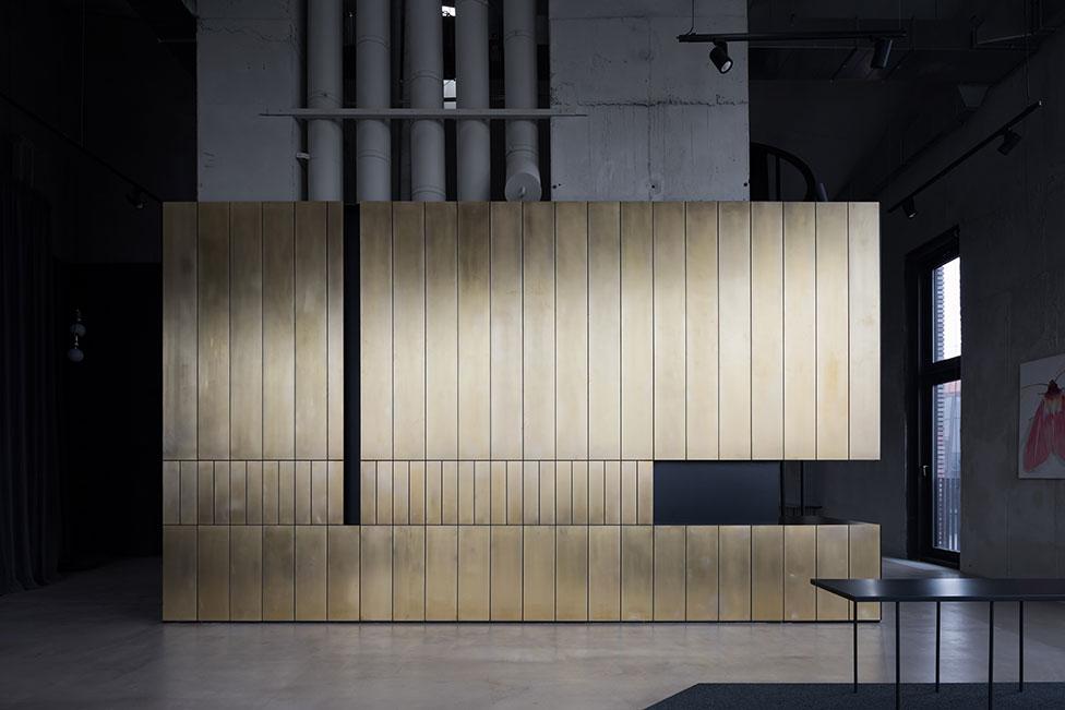 Volkov Architects: эффектный офис продаж в Москве