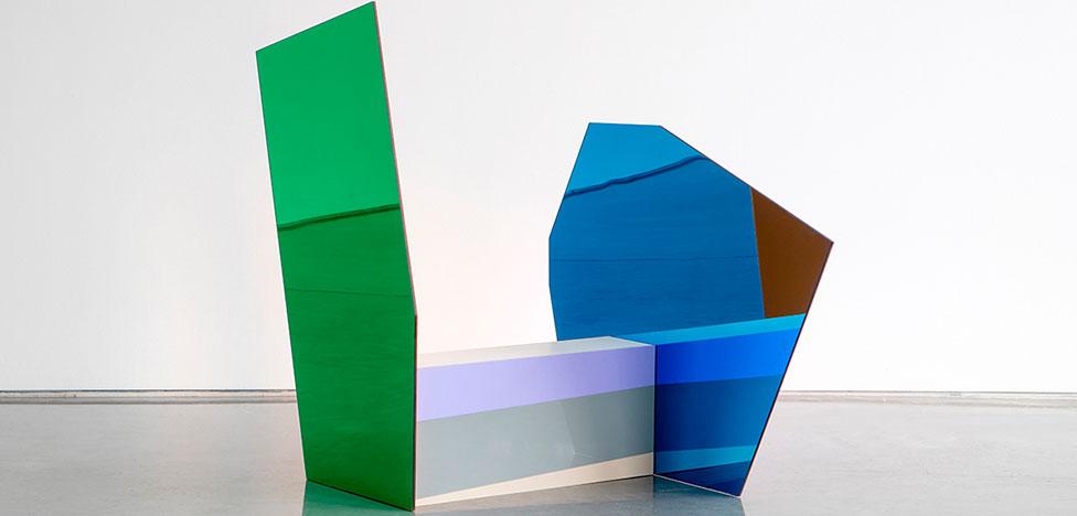 Стулья-абстракции Джона Николсона