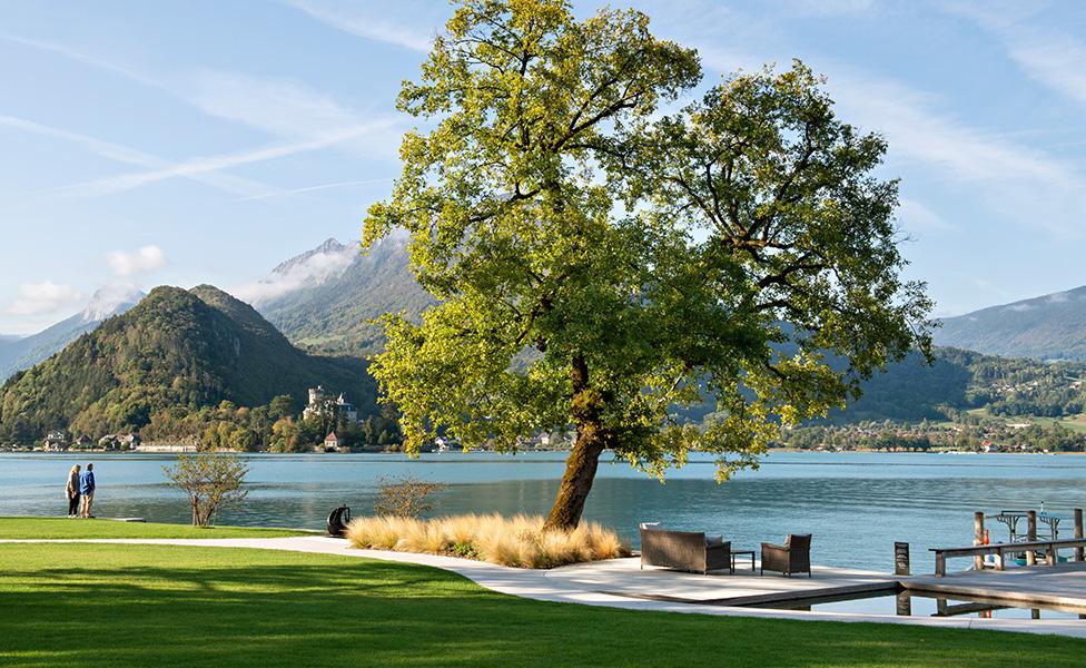 Отель на озере Анси