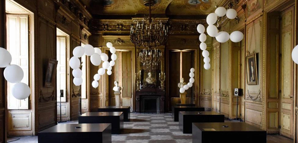 Шары Шарля Петийона в здании Национальной оперы Бордо