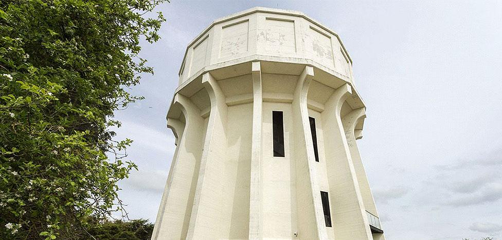 Не для всех: дом в водонапорной башне