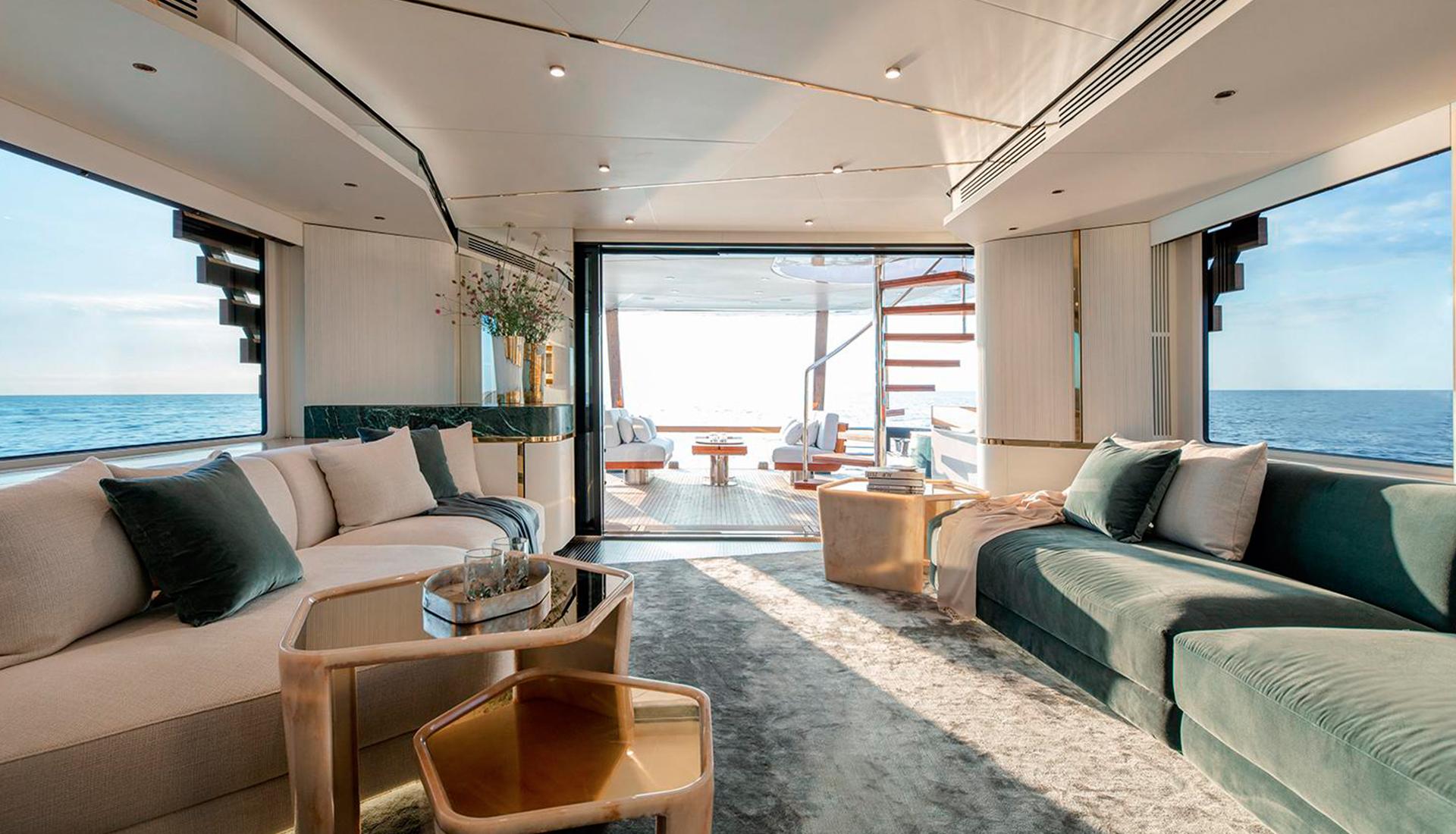 Винченцо де Котис спроектировал интерьеры яхты