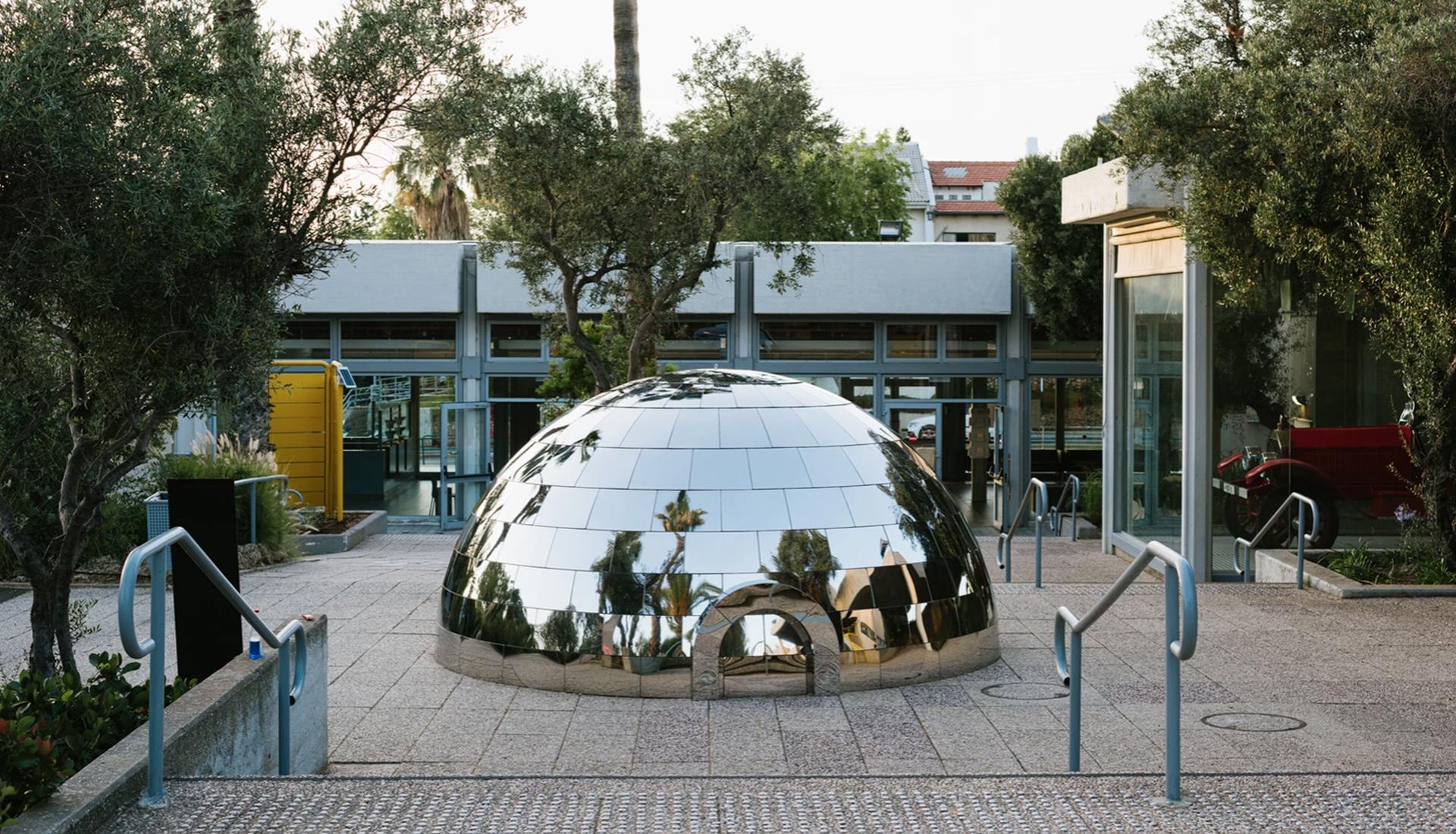 Magenta Workshop: зеркальное иглу в Тель-Авиве