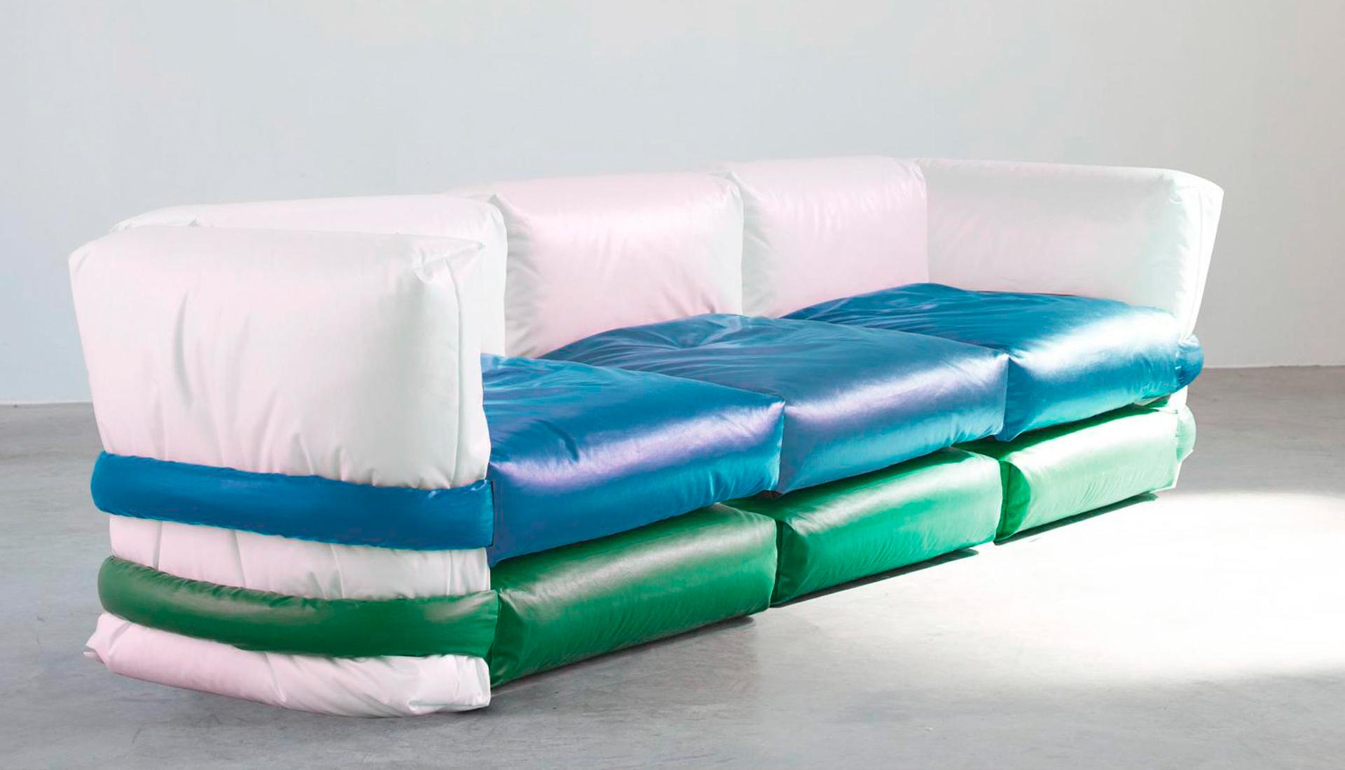 Muller Van Severen: модульный диван из старых сумок