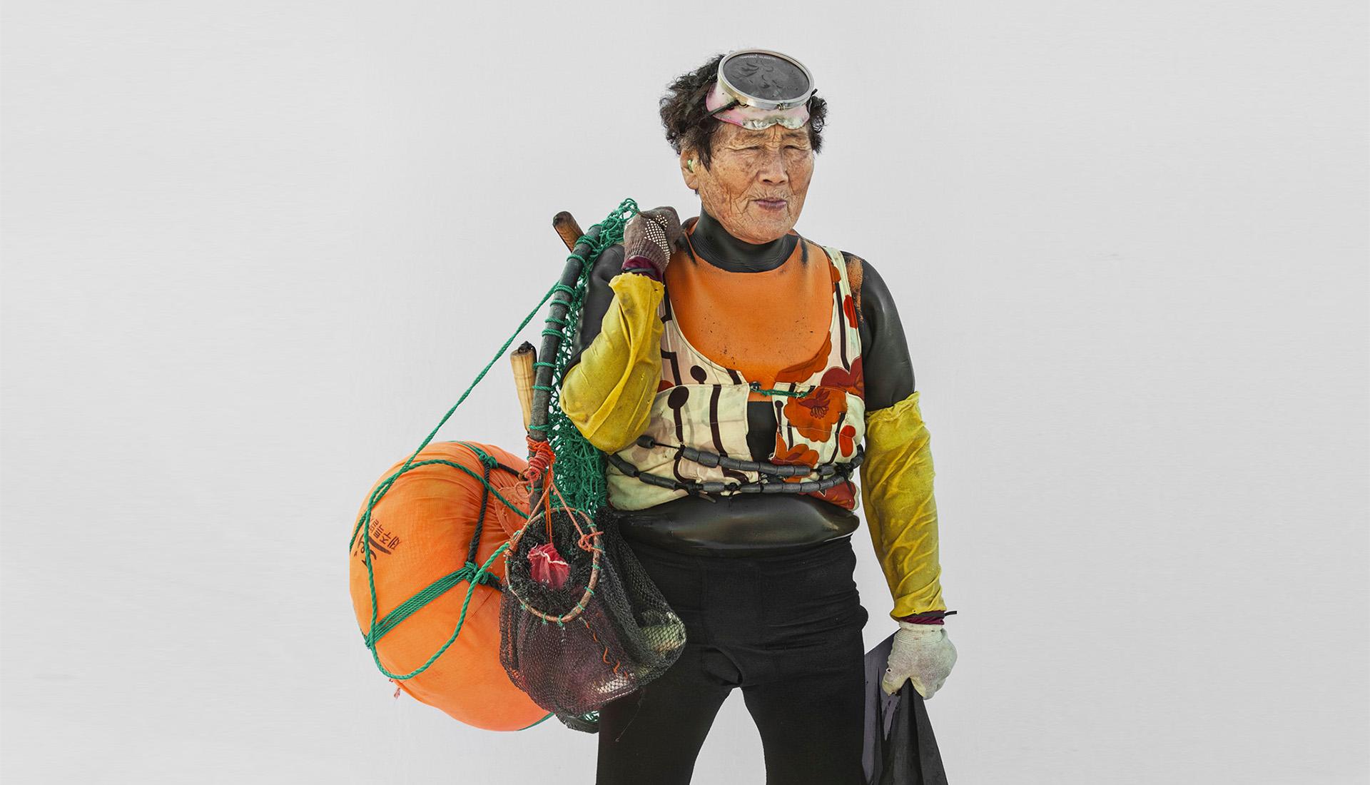 Женщины-дайверы на фотографиях с корейского острова Чеджу