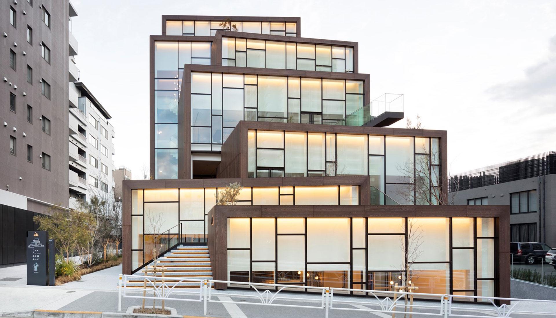 Nendo: прозрачный комплекс в Токио