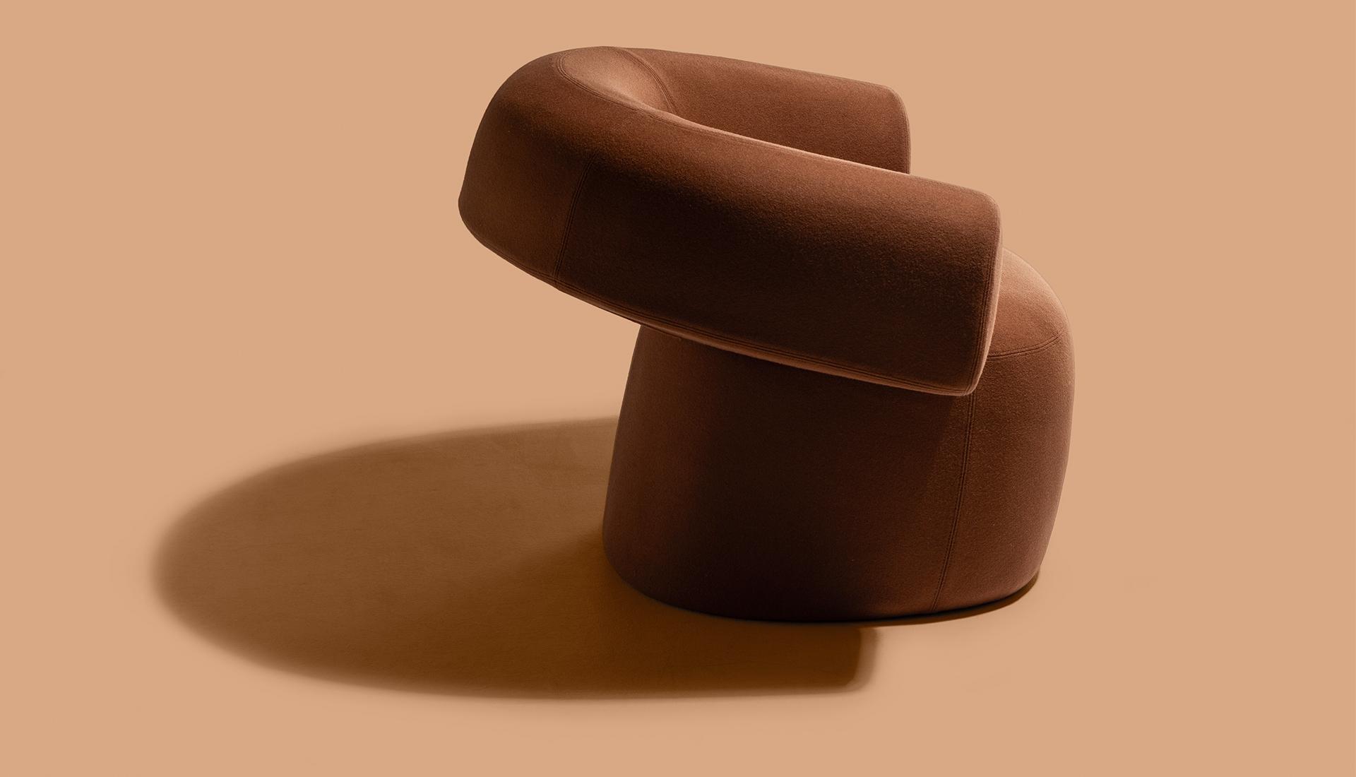 Тренды 2020/2021: скульптурное кресло Патрисии Уркиолы
