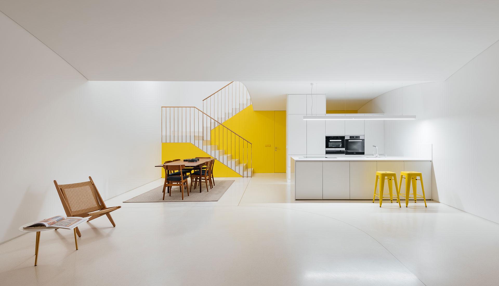 Перепланировка дома  в Лиссабоне по проекту Aurora Arquitectos