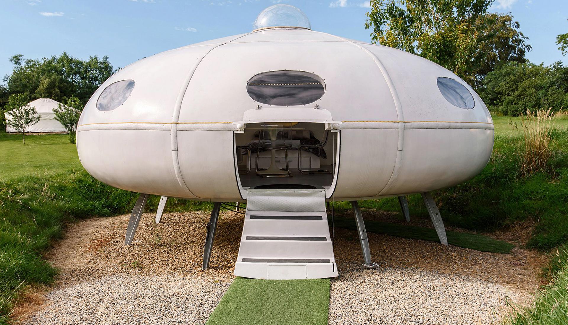 Airbnb  продлил конкурс на самый странный гостевой дом мира