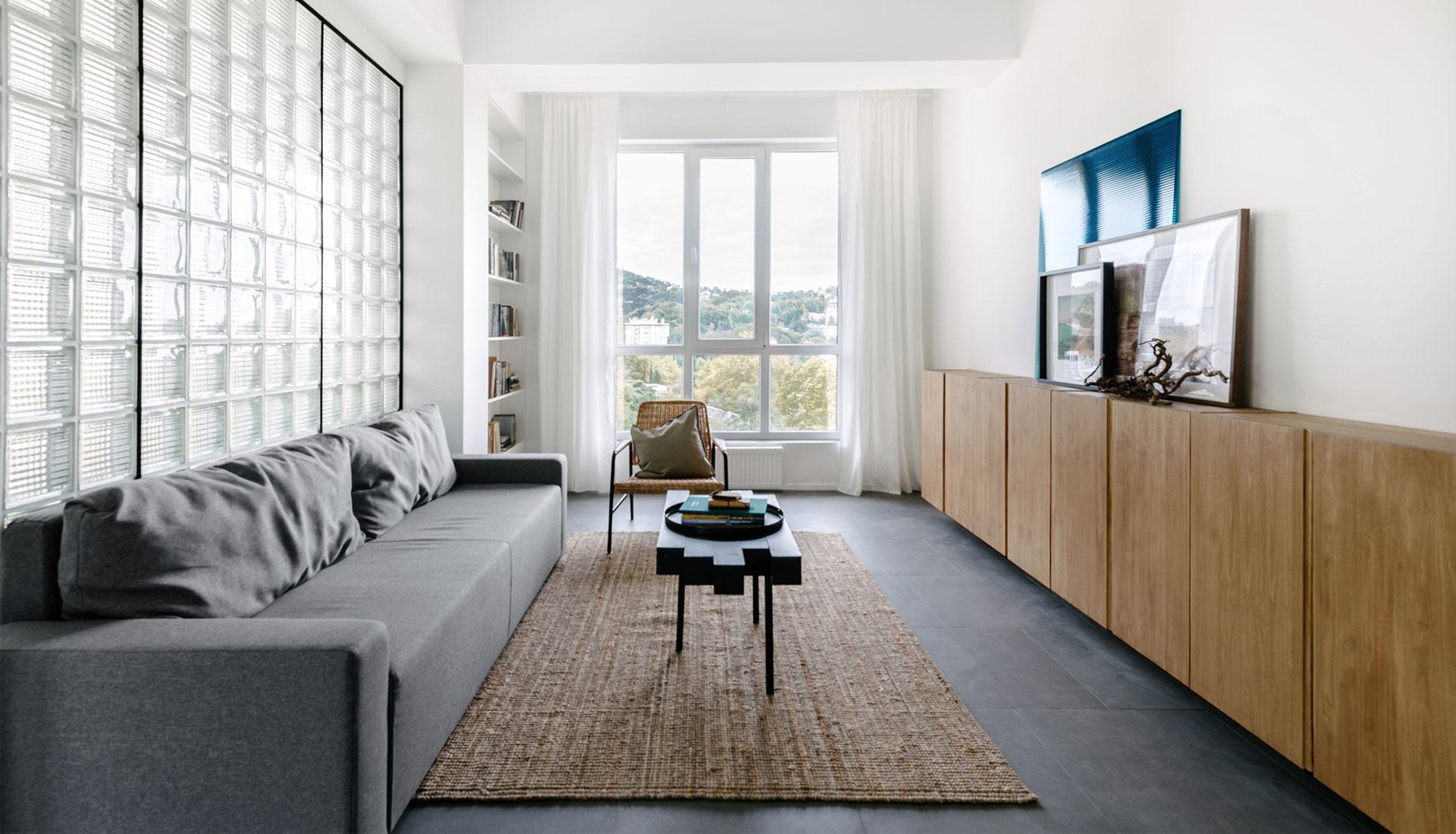 Мария Чек: минималистичная квартира в Сочи