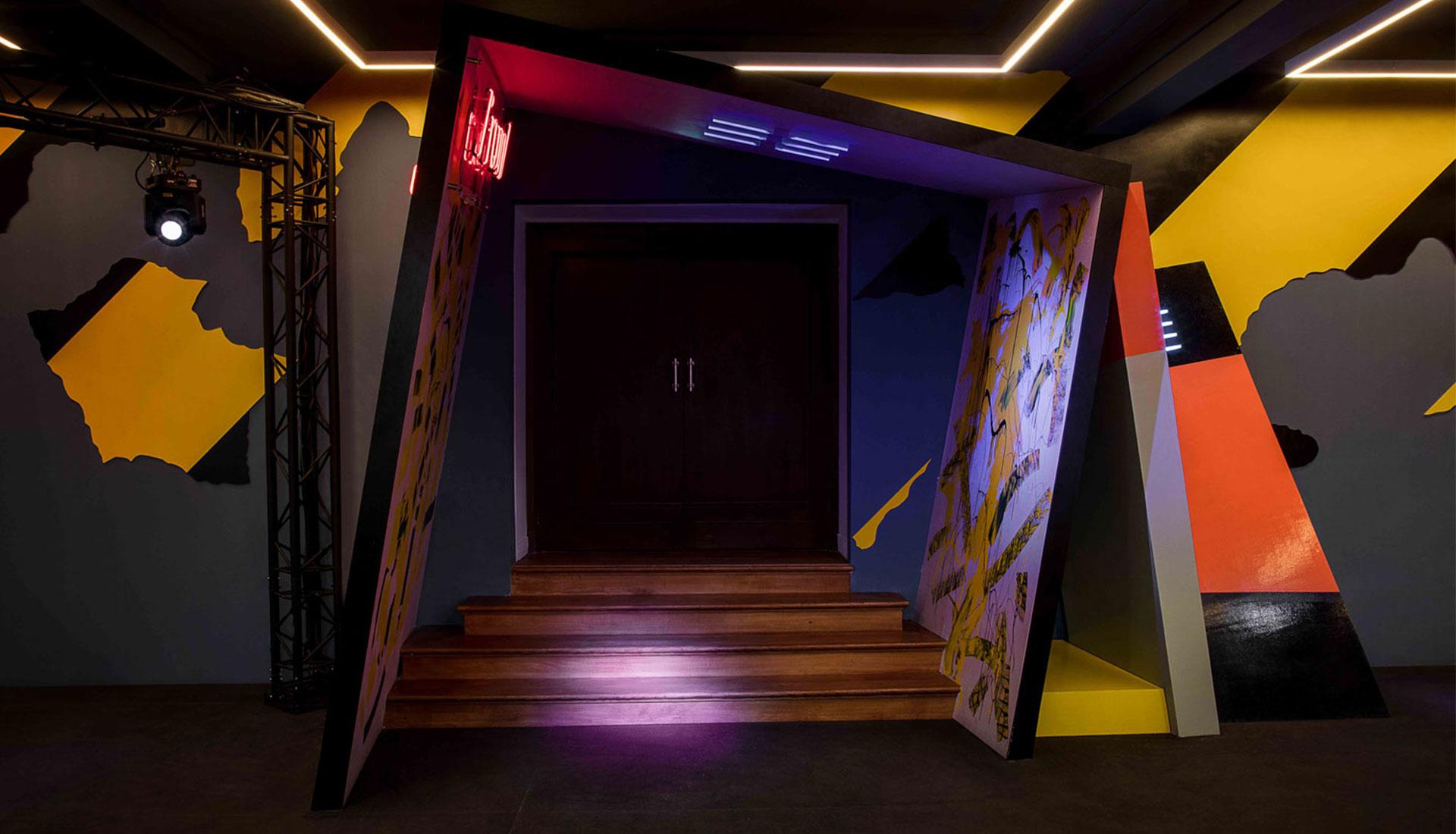 Вирджил Абло и Бен Келли: ночной клуб в парижском театре