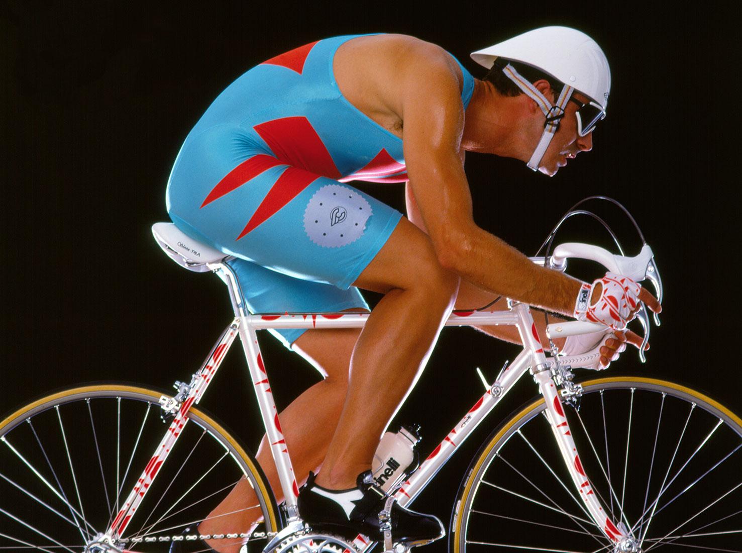 Выставка на велосипедную тему фото