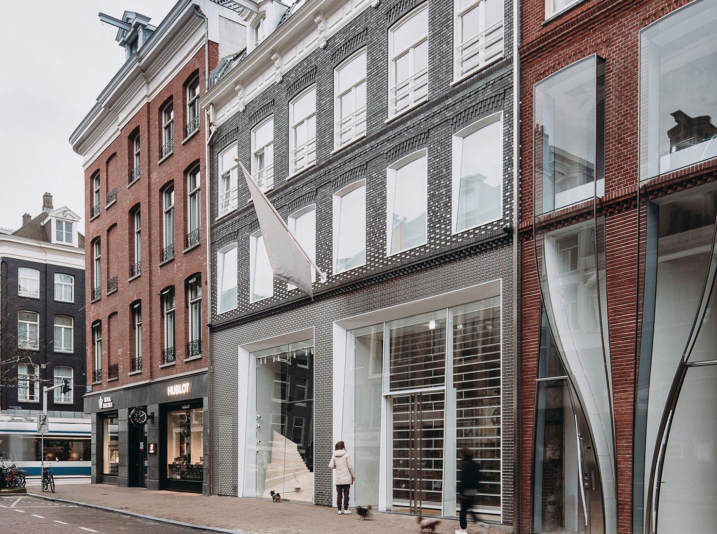 Louis Vuitton бутики фото