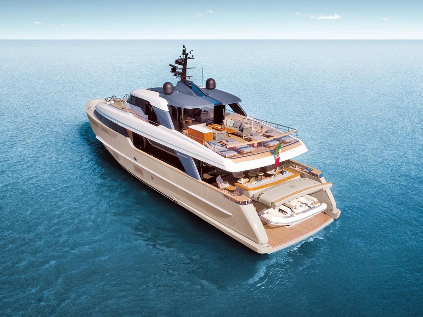 Яхта по проекту Уркиолы фото